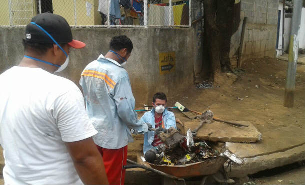 Alcaldía de Managua desarrolla limpieza de tragantes en Barrio El Edén