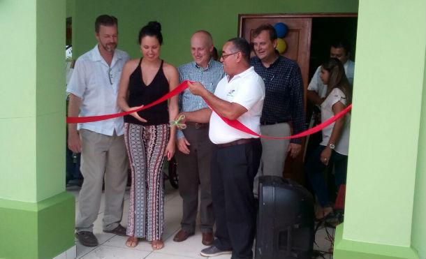 Directivos de Gran Pacífica y Alcaldía de Villa El Carmen inauguraron este sábado la clínica Roberto Clemente III