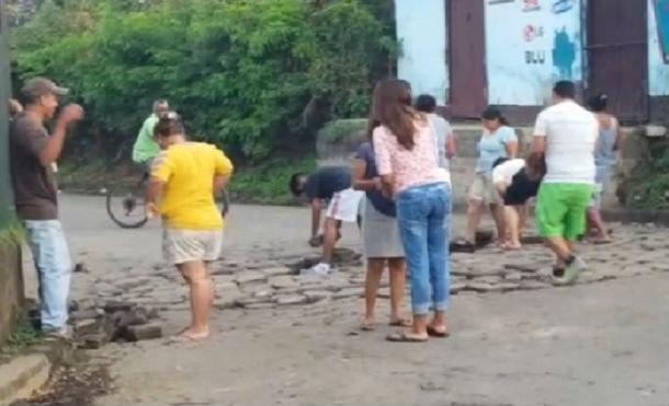 Población de La Concepción quitan tranques y restablecen el paso