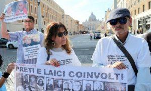 Casos de abusos sexuales ligados a la Iglesia católica se extienden por todo EE.UU.
