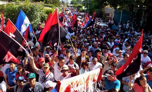 Miles participan en el repliegue táctico al Vapor