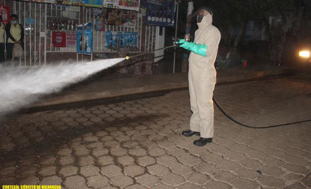 Foto Cortesía:, Se roció con peróxido de hidrógeno 61 objetivos, desinfectando un área total de 213,120 metros cuadrados y se beneficiaron a más de 40,000 personas.