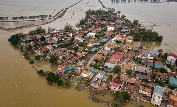 Foto UNICEF // El tifón Molave dejó graves pérdidas materiales y humanas
