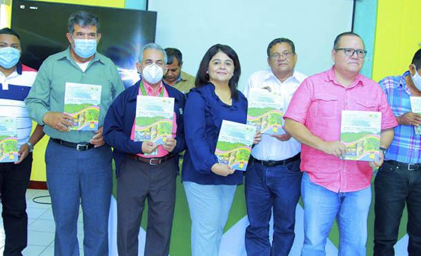 Foto INAFOR // El manual fue presentado entre INAFOR, UNA y FAO