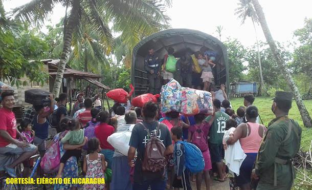 Ejército de Nicaragua desarrolla evacuación de personas en comunidades de la rivera del Río Coco