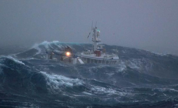 Foto Referencia: Se recomienda a las embarcaciones no realizar ningún tipo de navegación, tomar todas las medidas de seguridad y de ser necesario trasladarse a puerto seguro