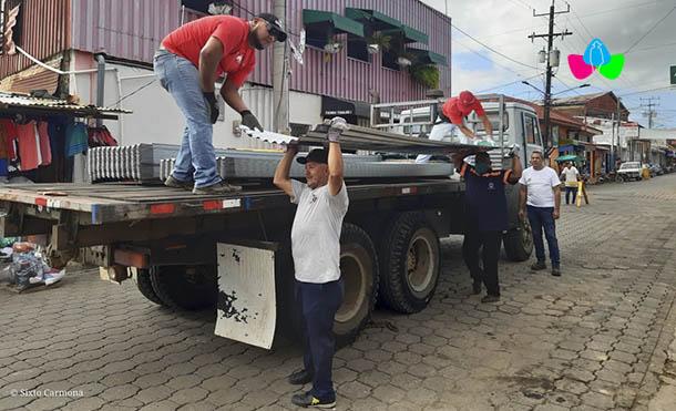 Foto Multinoticias // En esta ocasión se recibieron tres mil láminas de zinc