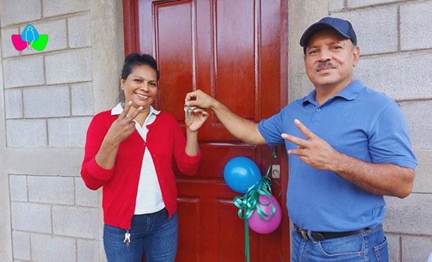 Foto Multinoticias: Esta primera entrega en la Larreynaga beneficia a 4 familias, teniendo una inversión de 672 mil córdobas.