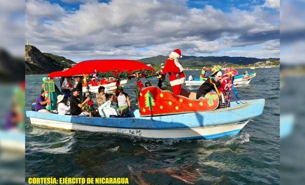 Foto Ejército de Nicaragua: Durante el Carnaval Acuático participaron 17 embarcaciones con 145 personas de diferentes instituciones del Estado, dirigidas por las alcaldías municipales de Rivas.