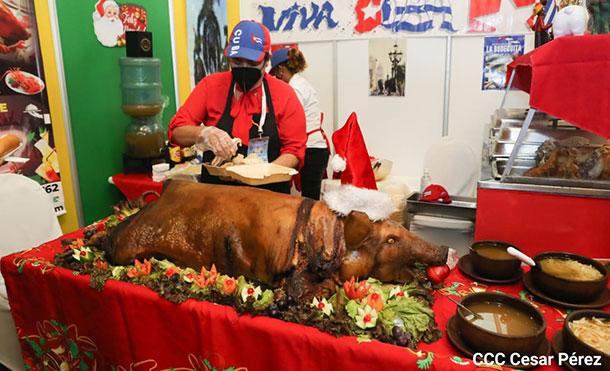Foto Cortesía: Durante el evento los visitantes además de probar la gastronomía han podido deleitarse con el canto y el baile de diferentes países.