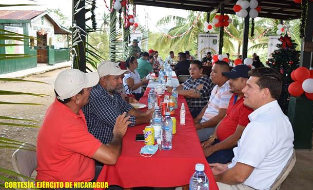 Foto Ejército de Nicaragua // Reunión del Ejército de Nicaragua con diversos sectores de Siuna