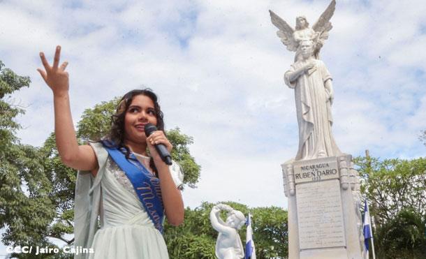 """Foto Cortesía: El coro infantil inició cantando el popular tema de cumpleaños """"Las Mañanitas"""", luego un repertorio de música nicaragüense que deleitó al público asistente al homenaje."""