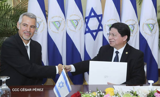 Foto César Pérez // Embajador de Israel Señor Oren Bar-El y Canciller de Nicaragua Denis Moncada
