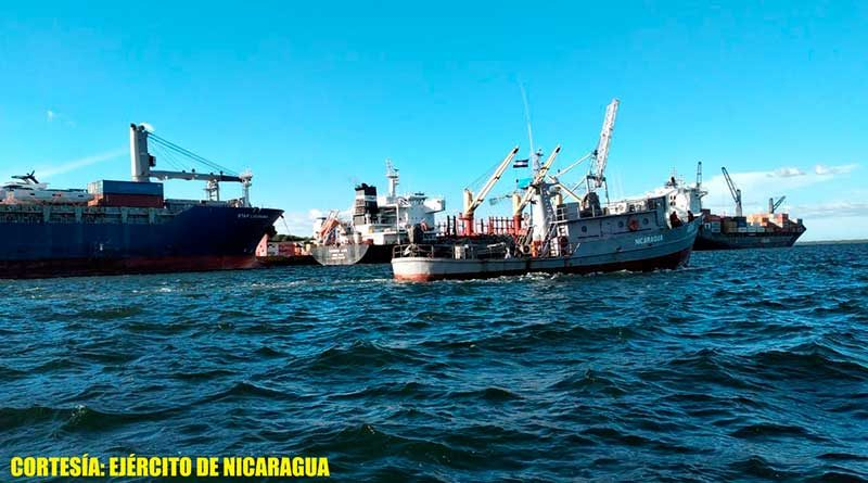 Buques y flota pesquera en el Océano Pacífico