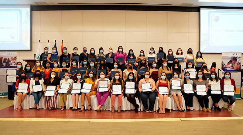 Estudiantes graduados por TELCOR y UAM