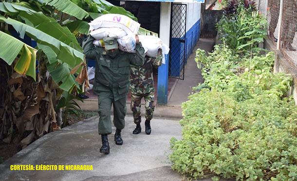 Foto Ejército de Nicaragua // Se trasladaron 36 toneladas métricas de alimentos