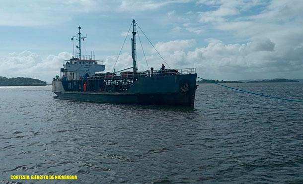 Foto Cortesía: De igual manera, se brindó cobertura y seguridad a 84 barcos de la flota pesquera industrial, mismos que arribaron a los puertos de Corn Island y El Bluff; contribuyendo a la producción de 242,531 libras de producto marino entre pescado, langosta, caracol y camarón.