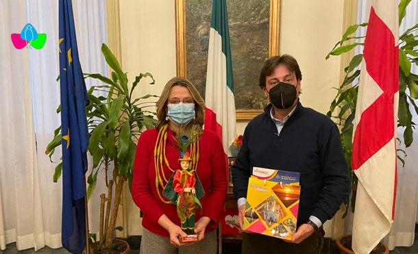 Foto Cortesía: Cónsul Lorenzo Alderisio con la Señora Anna Scavuzzo, Vice Alcalde, Asesora a la Seguridad y Jefa de la Protección Civil de la Comuna de Milán