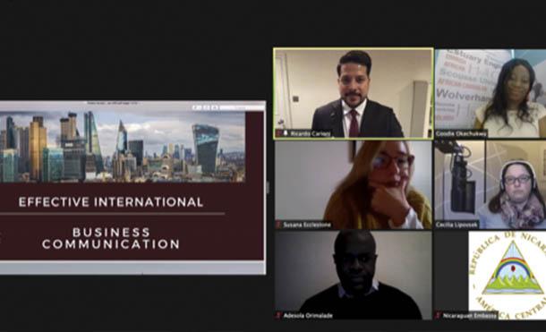 """Foto CCC // Seminario virtual """"Autenticidad y Acento: Comunicación intercultural Efectiva y Negocios"""""""