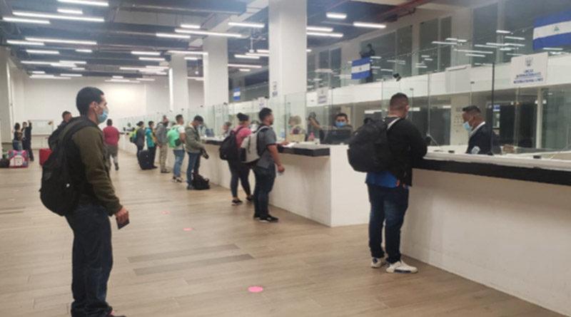 Nicaragüenses que regresaron de Panamá la noche de este jueves 4 de febrero