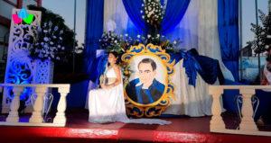 Señorita Ashley del Carmen Aguilera Urbina siendo coronada como nueva Musa Dariana de Chinandega 2021