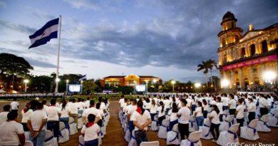 Juventud y Militancia en la Plaza de la Revolución durante el Acto en Homenaje al General Sandino