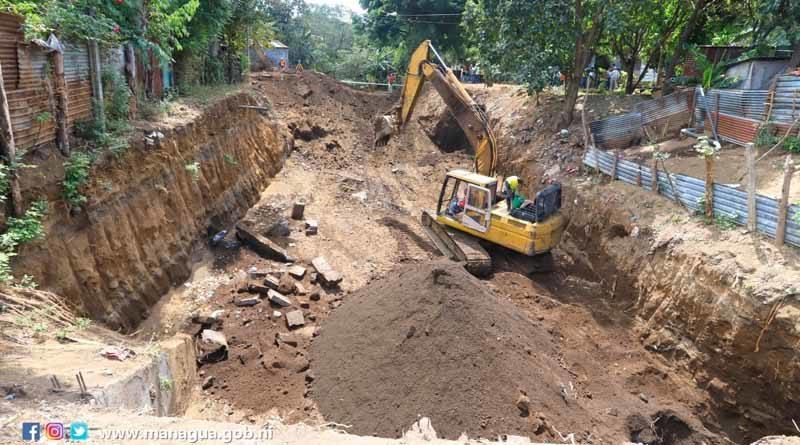 Alcaldía de Managua realizando labores de drenaje en el barrio Memorial Sandino