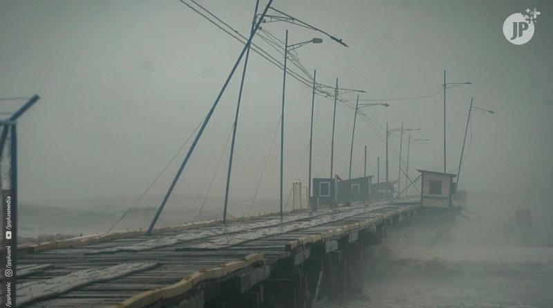 Puerto de Bilwi, Nicaragua siendo destruido por la fuerza del huracán ETA en el año 2020