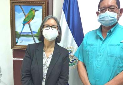 Alcalde del Municipio Mejicanos de El Salvador y la Encargada de Negocios de la Embajada de Nicaragua Compañera Gilda Bolt.