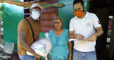Jóvenes de Promotoría Solidaria entregaron los paquetes de alimentos en Managua