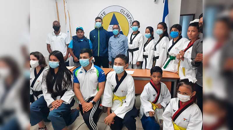 Estudiantes de la Federación Nicaragüense de Taekwondo