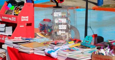 Cuadernos, lápices y otros útiles escolares