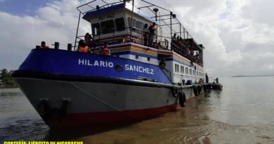 Efectivos militares del Distrito Naval Caribe de la Fuerza Naval brindando seguridad a buques mercantes y flota pesquera industrial en el mar caribe.