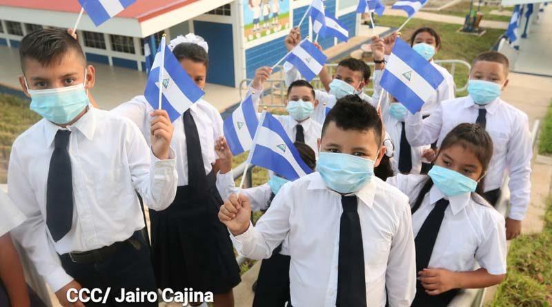 Alumnos durante el inicio de clases 2021 en Nicaragua