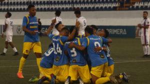 Equipo del Managua FC durante el juego ente Art Jalapa en la Liga Primera