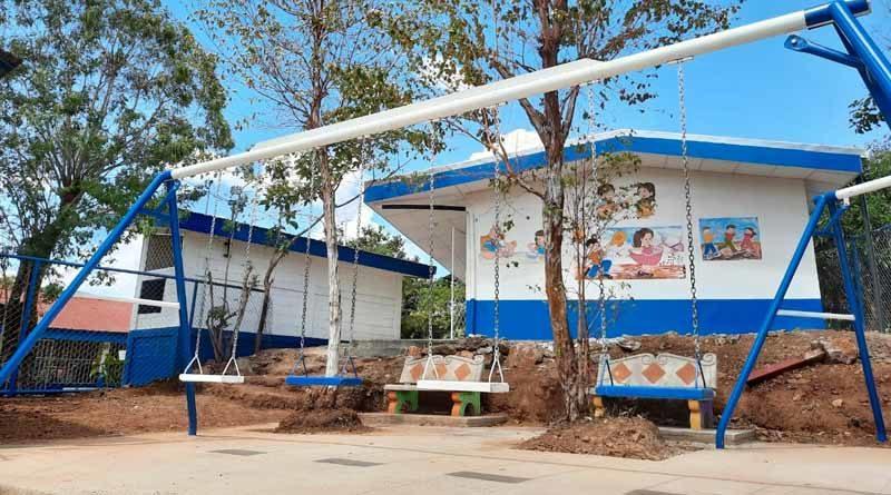 Escuela rehabilitada por el Ministerio de Educación y el apoyo de China Taiwán