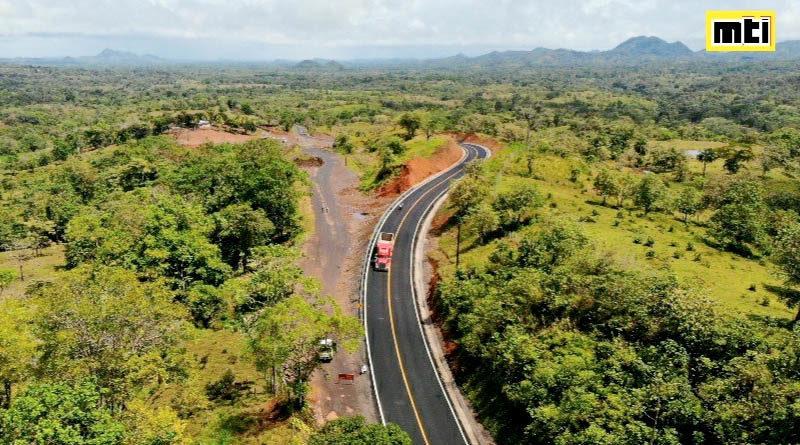 Vista aérea de la carretera inaugurada por el MTI en Muelle de los Bueyes