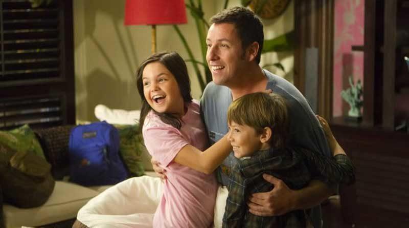 Blailee Madison junto a Adam Sandler y Griffin Gluck en Una esposa de mentira