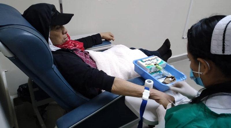 Paciente de cáncer recibe atención en el Centro Oncológico de Quimioterapia y Cuidados Paliativos Dr. Clemente Guido