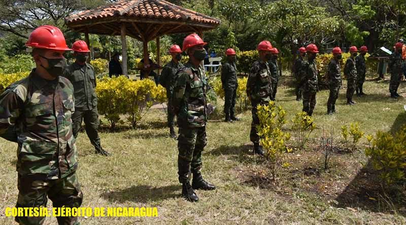 Miembros del Ejército de Nicaragua durante el lanzamiento del plan de prevención contra incendios forestales en Matagalpa