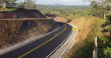 Obra en carretera hacia El Rama