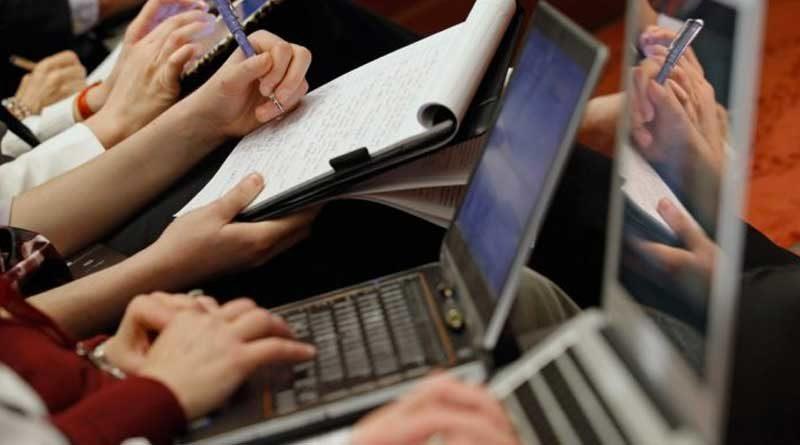 Personas con computadores