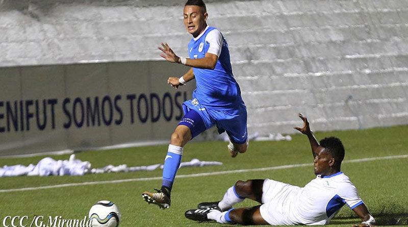 Selección de Nicaragua durante juego amistoso contra Cuba