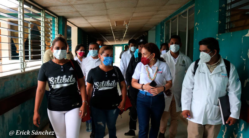 Doctora Sonia Castro, Ministra Asesora para Asunto de Salud de la presidencia, recorriendo hospitales, unidades de salud y casas maternas de Prinzapolka