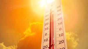 Termómetro marcando la alta sensación térmica del día