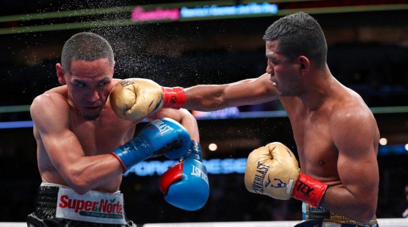 """Román """"Chocolatito"""" González peleando contra Francisco """"El Gallo"""" Estrada, en septiembre se realizará la 3ra reyerta."""