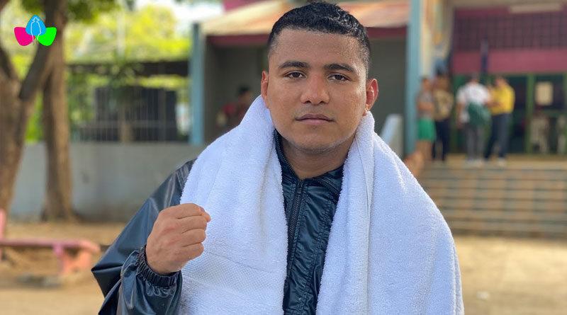 """Román """"Chocolatito"""" González destacó su preparación física desde el canal de YouTube de Carlos Alfaro, ante la próxima revancha ante el """"Gallo"""" Estrada."""