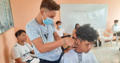Jóvenes reciben diversas capacitaciones en la Escuela de Oficio en Ciudad Sandino