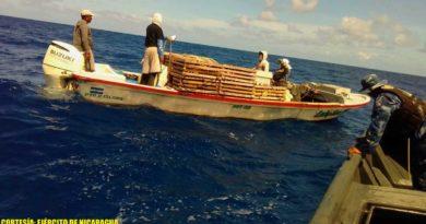 Embarcación y tripulación que había quedado a la deriva a 21 millas náuticas de Corn Island