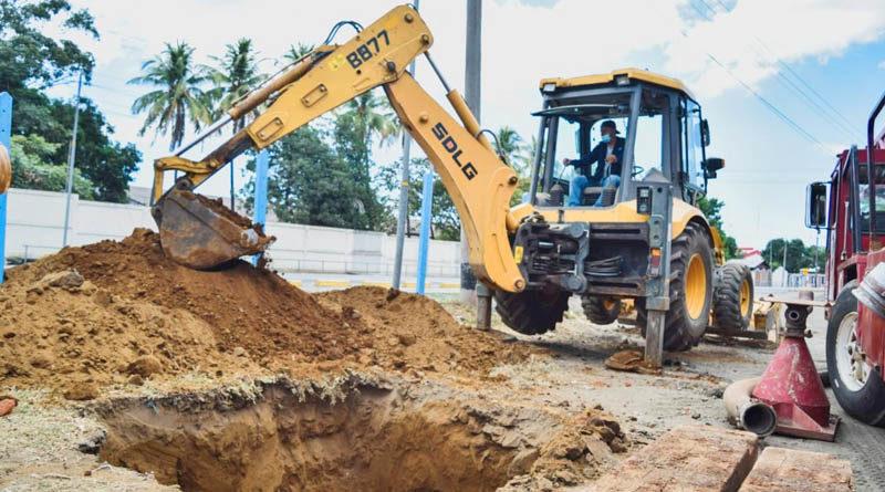 Maquinaria de ENACAL perforando el nuevo pozo de agua en el municipio de León